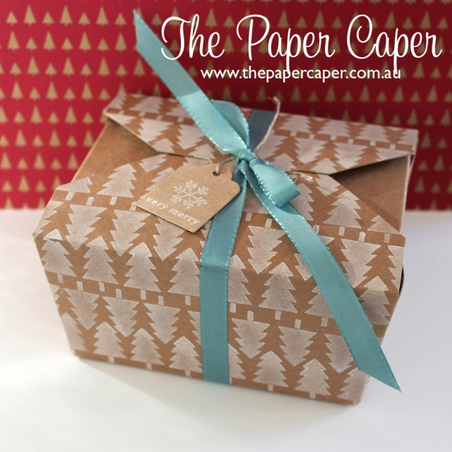 Christmas Takeout box for CASEing the Catty Challenges. Details at www.thepapercaper.com.au